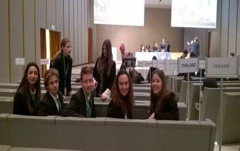 High School Students take part in Model United Nations debate